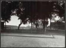 [2. 6. 12. Danzig - Kneipab Kneipaber Wallstrasse rechts nach der Laubenkolonie mit alten Brunnen und Schwartzes Haus nebst Wall]