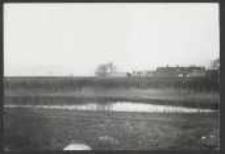 [Kneipab 18. 4. 1912 Ansicht der Lake mit Wall von Kneipab von außerhalb gesehen. Links der alten Werderthorbrücke altes Holzgebäude mit Rundbogen. ]
